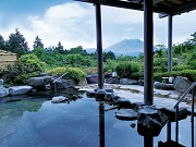 Nhất định phải thư giãn trong những suối nước nóng cực hot này ở Nhật Bản