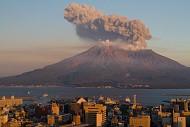 Bất ngờ trước ngọn núi lửa hung dữ nhưng tuyệt đẹp tại đất nước Nhật Bản