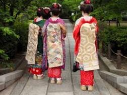Du Lịch Nhật Bản: Kimono Trang Phục Truyền Thống