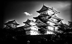 """Lâu đài Himeji ở Nhật và những bí mật """"ma quỷ"""" bạn cần khám phá"""