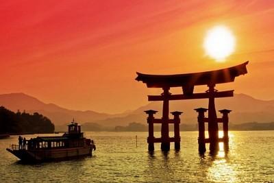 Khám Phá Cánh Cổng Torii- Nơi Mở Cánh Cửa Đến Với Thần Linh Ở Nhật Bản
