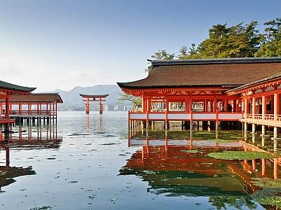 Ngôi đền nổi bí ẩn Itsukushima tại Nhật Bản