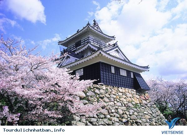Kanazawa – Những công trình kiến trúc đồ sộ - Ảnh 2