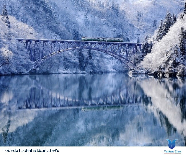 Fukushima - tuyết rơi trắng trời sau mùa lá đỏ Nhật Bản - Ảnh 4