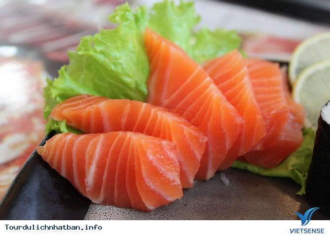 Ngã ngửa với sở thích ăn cá sống ở Nhật Bản - Ảnh 1
