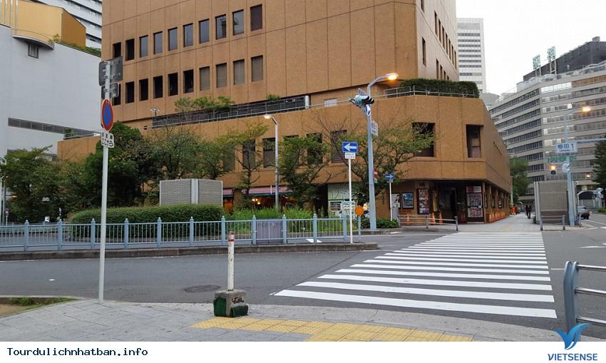 Ngắm khung cảnh bình yên vào buổi sáng của các thành phố lớn của Nhật Bản - Ảnh 1