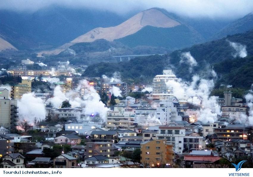 """Thăm thị trấn lúc nào cũng """"nóng như lửa"""" khi du lịch Nhật Bản - Ảnh 2"""