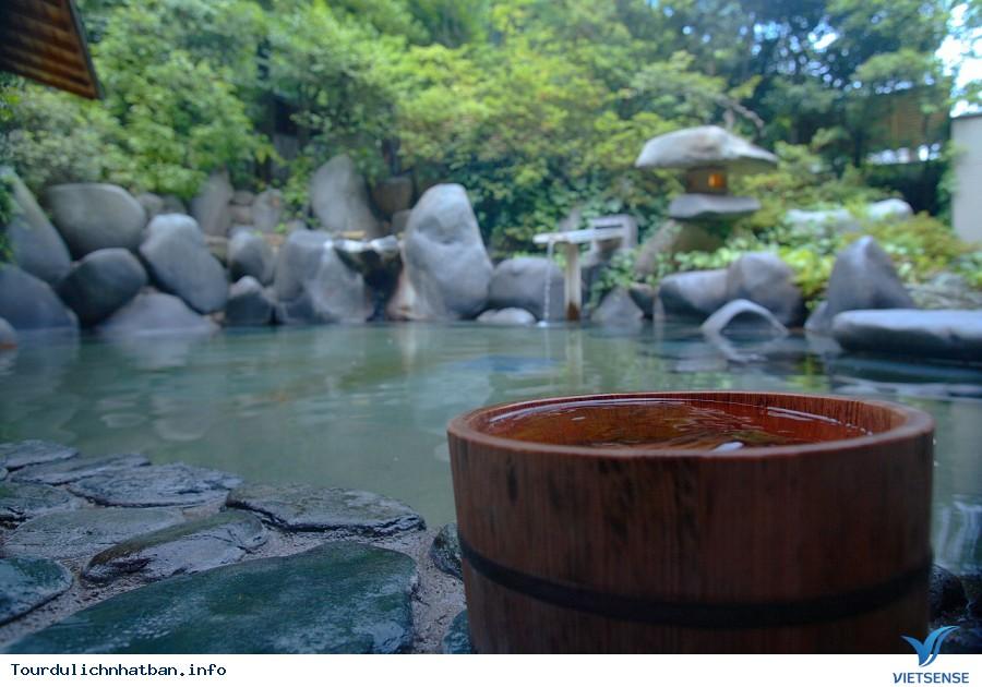 Những điều nhất định phải biết trước khi tắm suối nước nóng ở Nhật - Ảnh 1