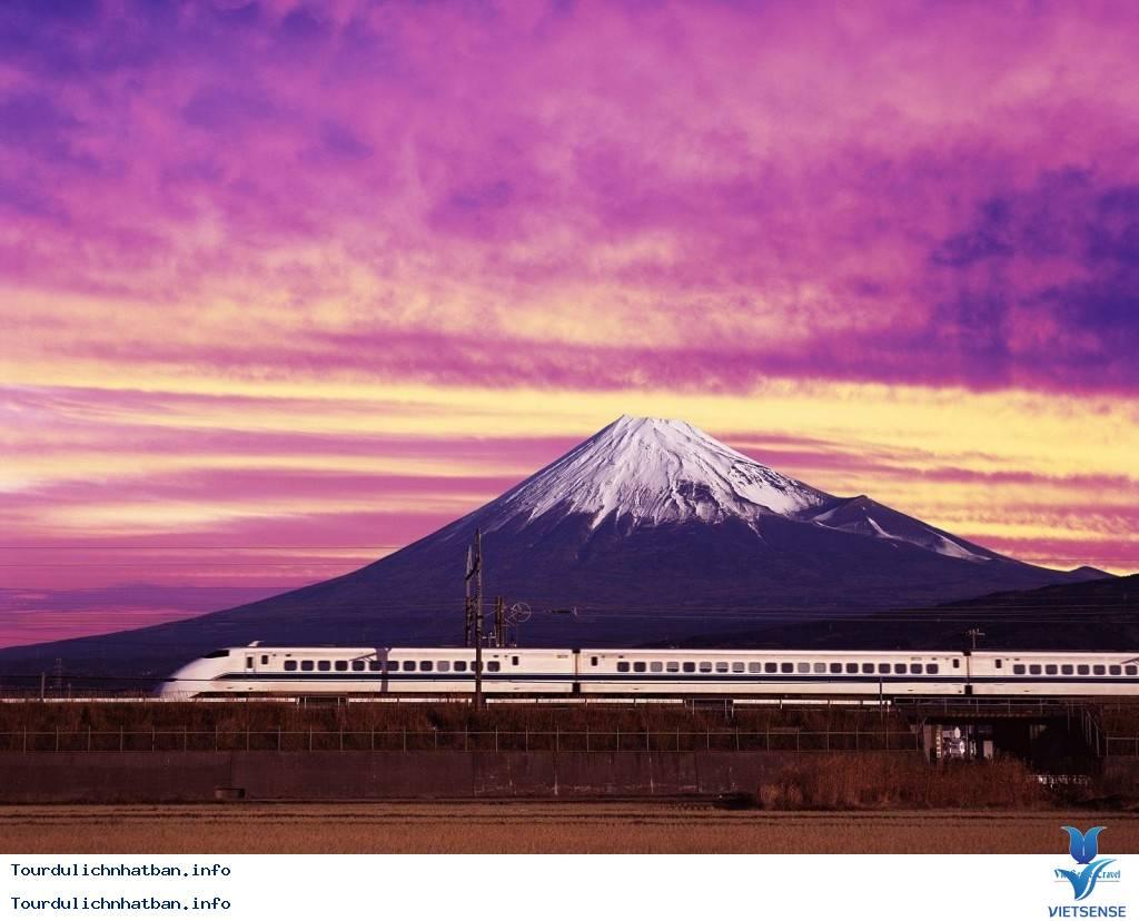 Khám phá 4 tuyến đường sắt nổi tiếng của du lịch Nhật Bản - Ảnh 2