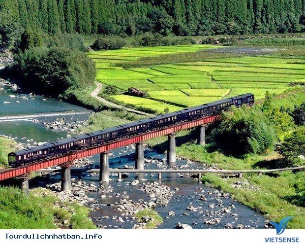 Khám phá 4 tuyến đường sắt nổi tiếng của du lịch Nhật Bản - Ảnh 1