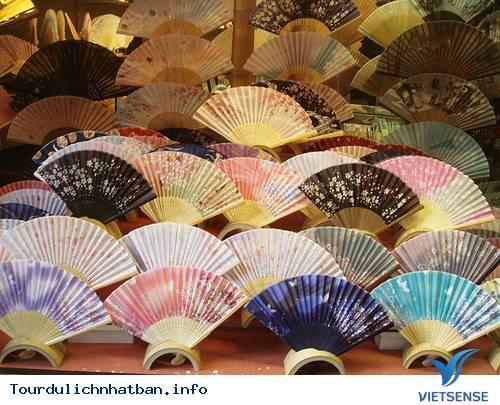 Khi đi du lịch Nhật Bản bạn mua đồ lưu niệm gì? - Ảnh 29