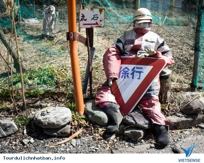 Kỳ lạ ngôi làng tại Nhật với những ''búp bê ma'' - Ảnh 1