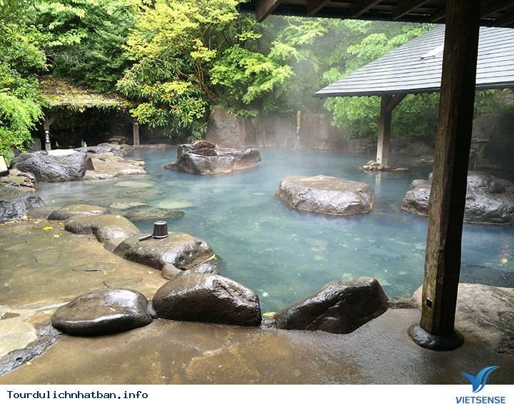 Nghi Thức Độc Đáo Khi Tắm Suối Nước Nóng Nhật Bản - Ảnh 1