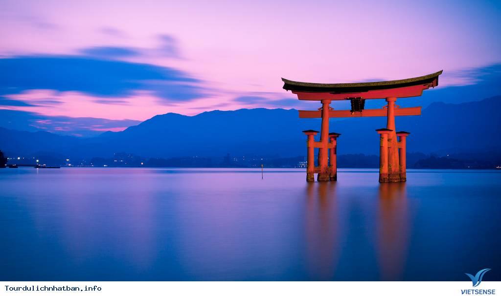 Ngôi đền nổi bí ẩn Itsukushima tại Nhật Bản - Ảnh 3