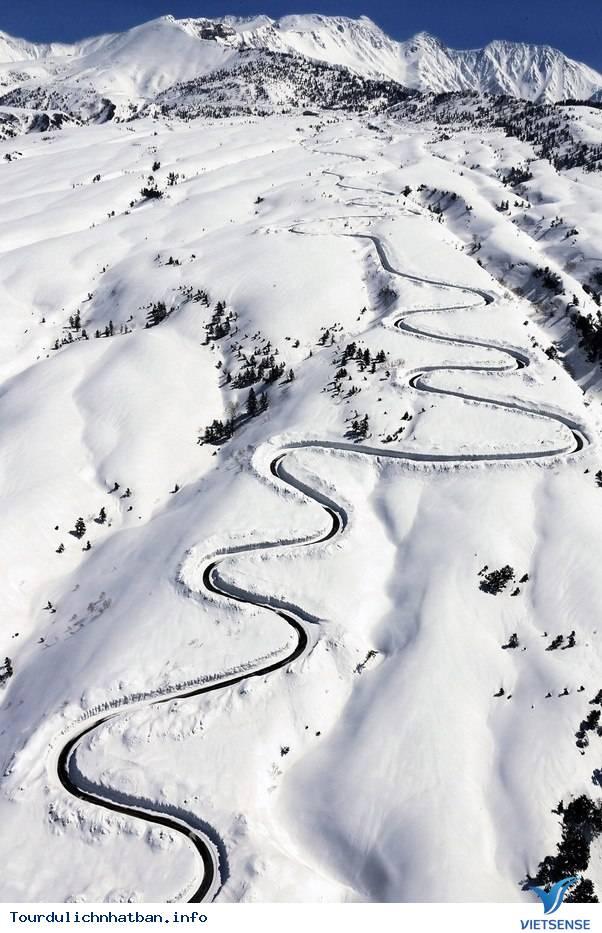 Tận hưởng con đường tuyết trắng giữa mùa hè ở Nhật Bản - Ảnh 3