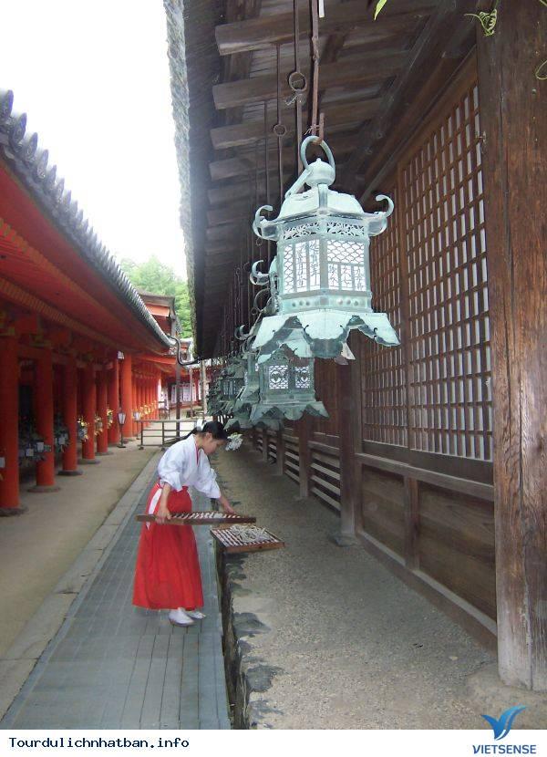 Tìm Hiểu Về Các Trinh Nữ Tế Thần Trong Những Đền Thờ Ở Nhật Bản - Ảnh 4