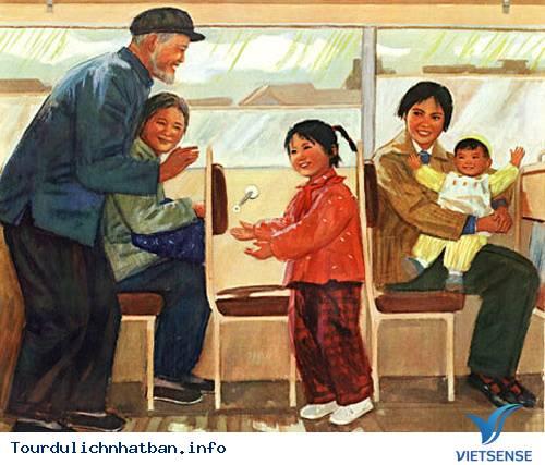 Vì sao người già Nhật Bản không ngồi khi đi tàu xe công cộng?,vi sao nguoi gia nhat ban khong ngoi khi di tau xe cong cong